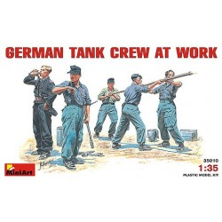 German tank crew at work