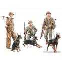 Dogs in service in the US Marine Corps, WW2 era